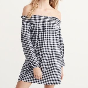 abercrombie & fitch gingham navy & white dress!